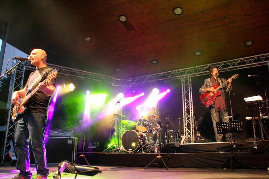 Die legendäre Band Alan Parsons Project sorgte beim Open Air im Kurpark erneut für begeisterte Fans. (Foto: Hans Jürgen Kugler)
