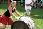 Starke Männer und Frauen bei den Highland Games in Wittental