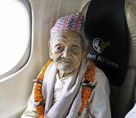 106-Jähriger erfüllt sich einen Traum und fliegt zum ersten Mal