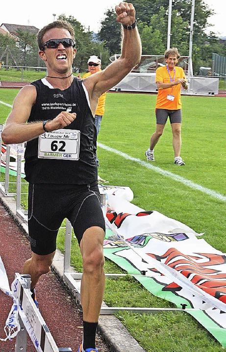 Felix Köhler freut sich, er hat mit ei...en den 17 Jahre alten Rekord geknackt.  | Foto: Jörn Kerckhoff