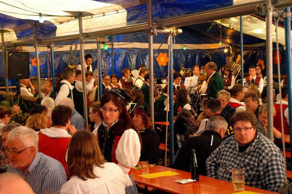 Comedy und jede Menge Musik gab es beim Waldfest der Trachtenkapelle Hogschür (Foto: Karin Stöckl-Steinebrunner)