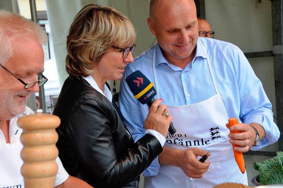 Felix Schöchlin und OB Stefan Schlatterer im Interview mit Moderatorin Petra Klein. (Foto: Gerhard Walser)