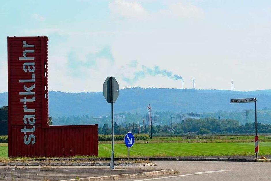 Schon von weitem sieht man den Brand auf dem Langenhard. (Foto: Ulrike Derndinger)