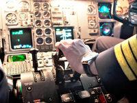 Piloten schlafen ein – Flugzeug fliegt per Autopilot