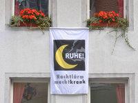 Freiburger Altstadt-Bewohner zeigen Flagge gegen Partyl�rm