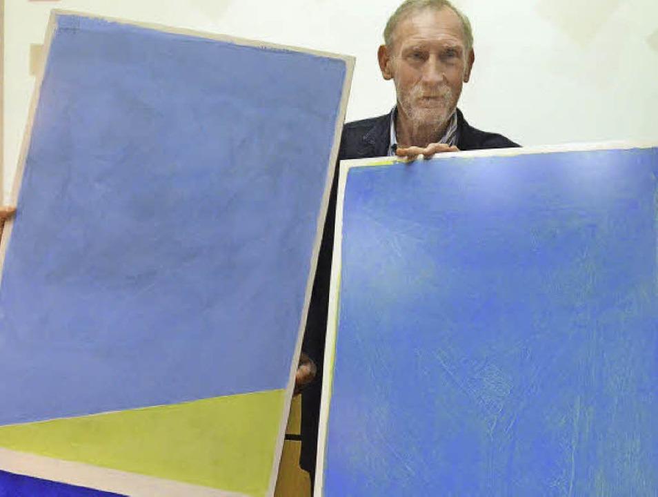 Farbenfest: Himmel, Landschaft Meer &#...ubiläum zwei Gemälde von Willy Raiber.  | Foto: Ingrid Böhm-Jacob