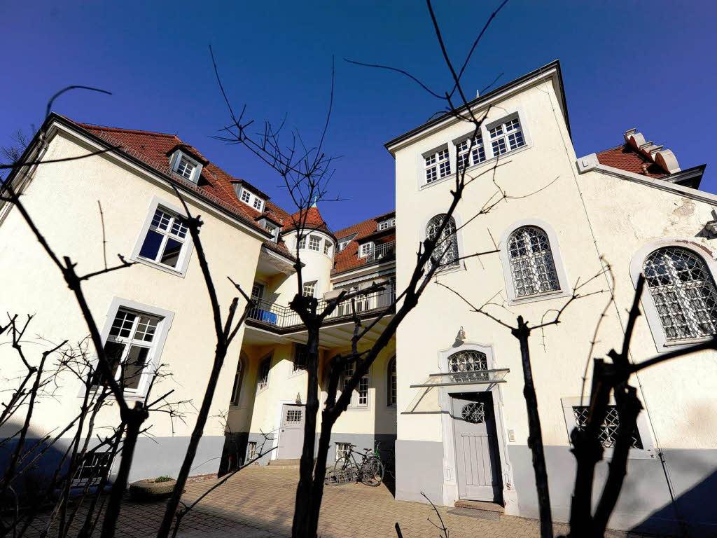 hochschule iuce zahlt fr herer studentin euro freiburg badische zeitung. Black Bedroom Furniture Sets. Home Design Ideas