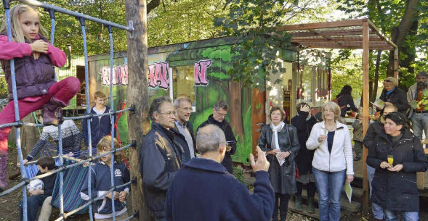 Bei einer Feier wurden das Spielhaus und der Kletterpark eingeweiht.  | Foto: Michael Bamberger