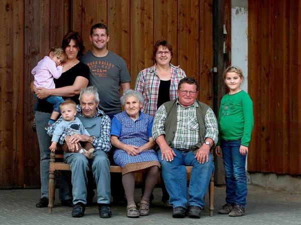 Vier Generationen auf einem Bild: Die Frenks vom Lindenhof in Schwanau-Nonnenweier.