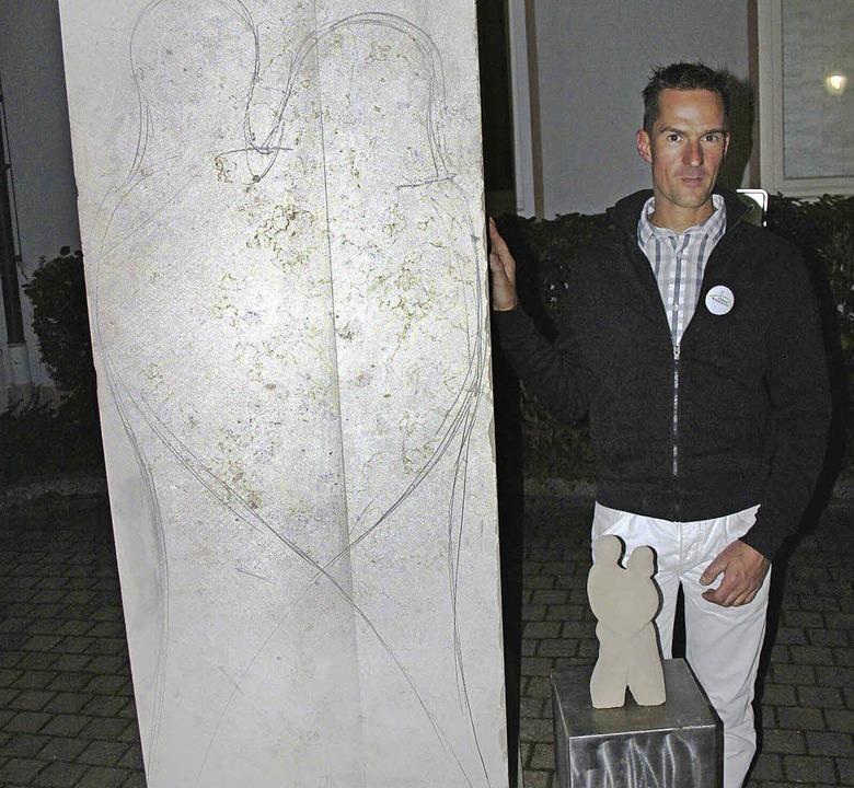 Der Bötzinger Steinmetz Andreas Hösch ...ulpturenwegs Kaiserstuhl werden soll.     Foto: horst david