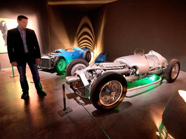 Die Premierenschau des Museums Arts & Cars in Singen zeigt Oldtimer aus Mulhouse in Verbindung mit Kunst.