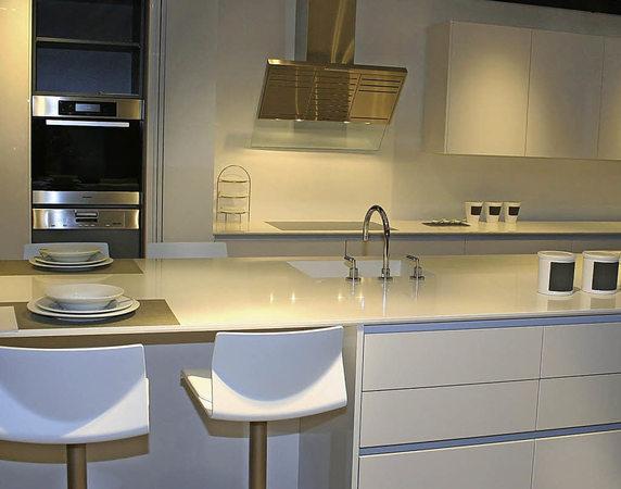modern wohnen anzeige badische zeitung. Black Bedroom Furniture Sets. Home Design Ideas