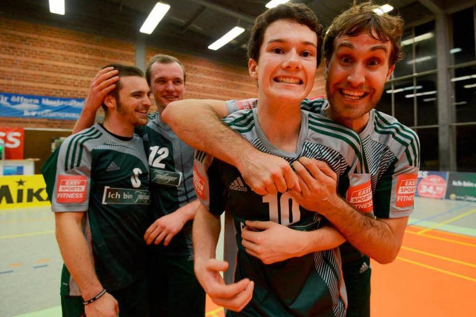 Freiburgs Volleyballer haben alles in die Waagschale geworfen und mit 3:1 gewonnen. (Foto: Patrick Seeger)