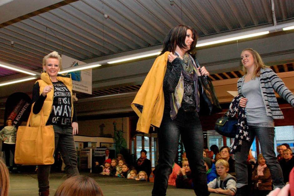 Die Modenschauen erwiesen sich als Publikumsmagnet. (Foto: Christiane Franz)