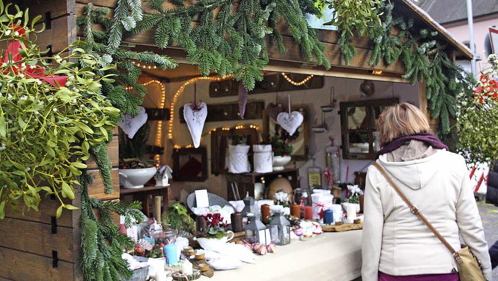 Breisacher Weihnachtsmarkt Lockt Viele Besucher An
