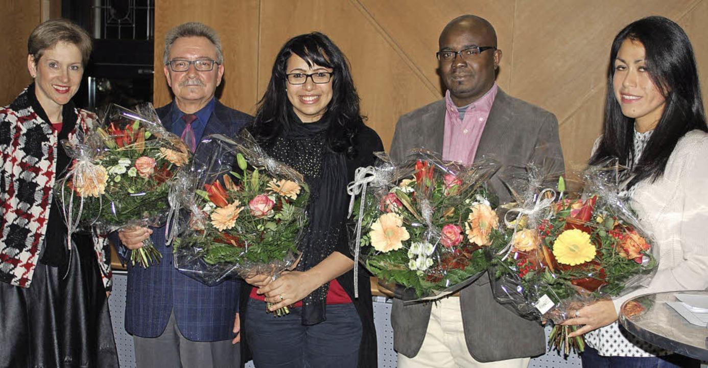 Marion Dammann, Dominique Gadenne, Ahl...von links) bei der Einbürgerungsfeier.  | Foto: Thomas Loisl Mink
