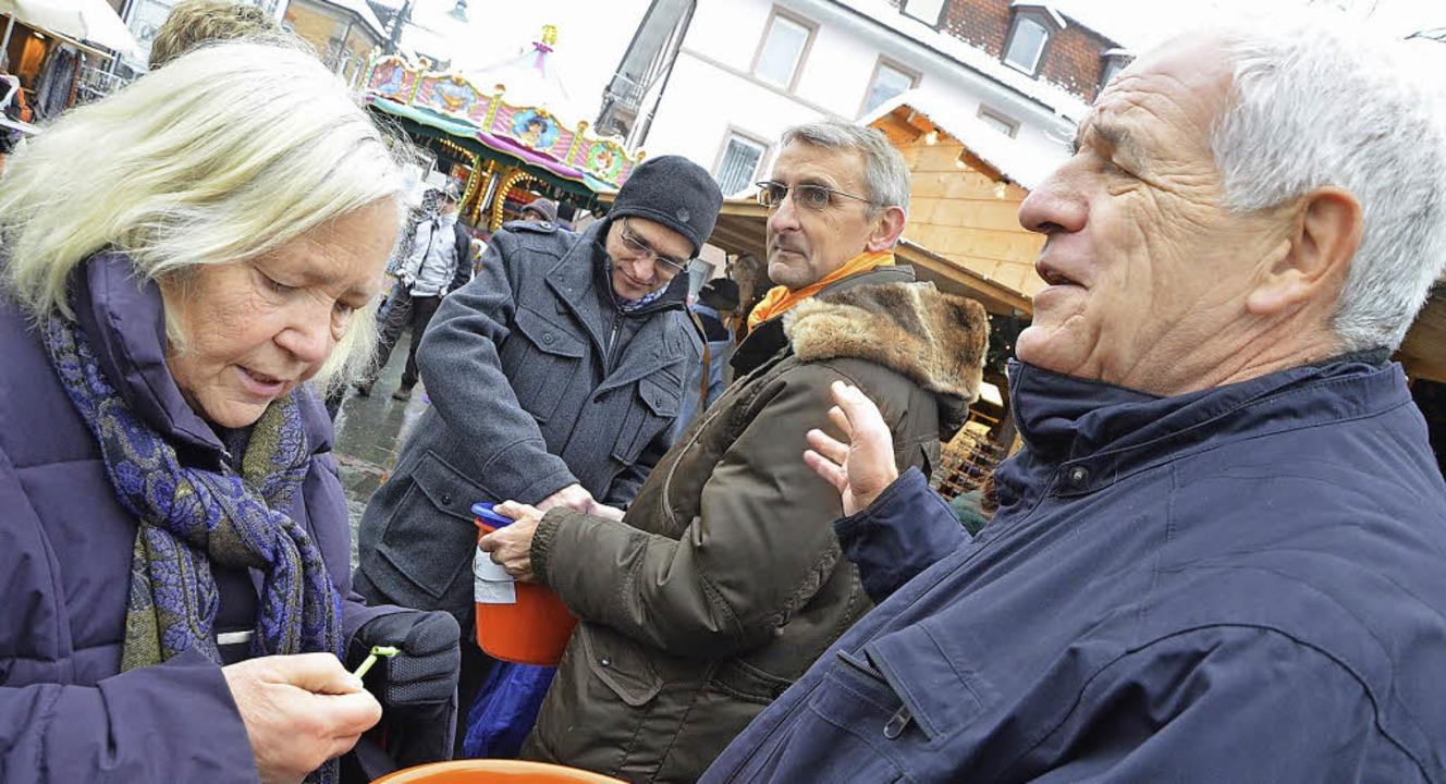 Große Koalition: Rainer Stickelberger,...Promis für den guten Zweck im Einsatz.  | Foto: Barbara Ruda