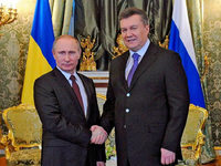 Janukowitsch erhält von Putin Hilfe