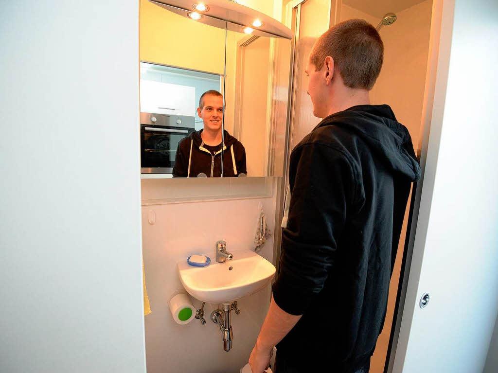 freiburg: mini-dorf: freiburger studenten testen das wohnen im, Badezimmer