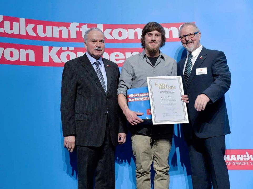 Beim Bundeswettbewerb des Handwerks in... den Bundessieg der Zweiradmechaniker.  | Foto: Handwerkskammer Dortmund
