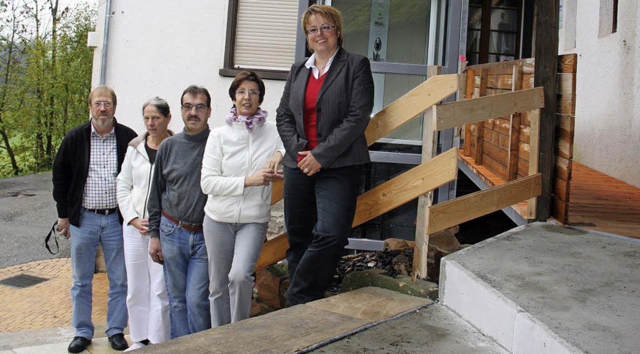 bold im Gebäude vom Freiämter Hof und ... Bundesagentur für Arbeit (von links).  | Foto: Gerda Oswald