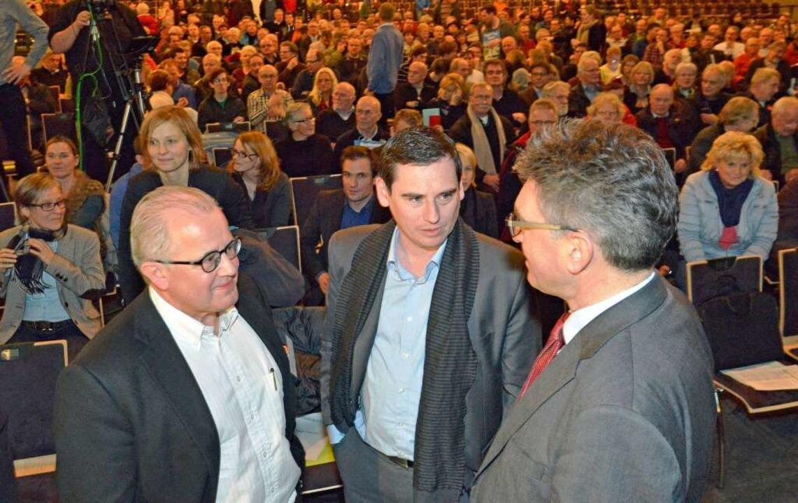 Bürgerversammlung in der Rothaus-Arena...Messe Freiburg: Keller, Leki, Salomon.  | Foto: Michael Bamberger