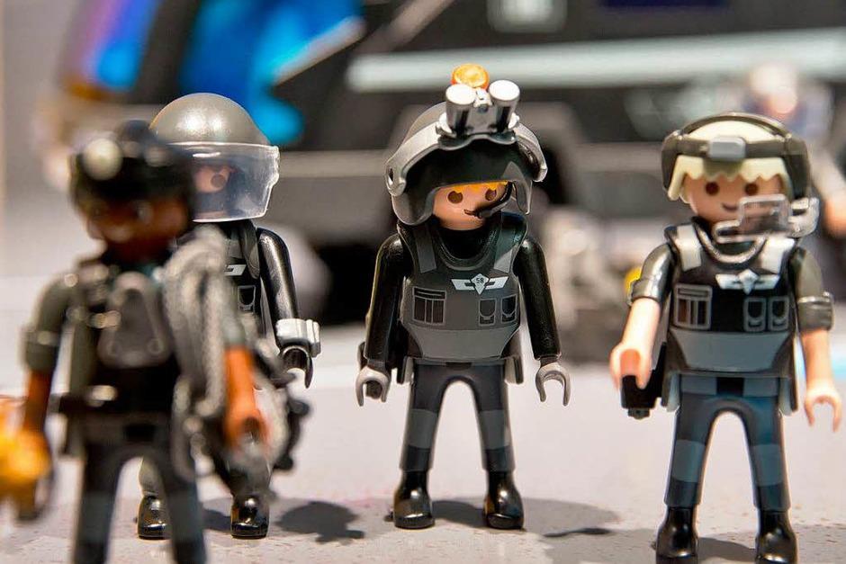 """""""SEK Polizei""""-Spielzeugfiguren von Playmobil (Foto: dpa)"""