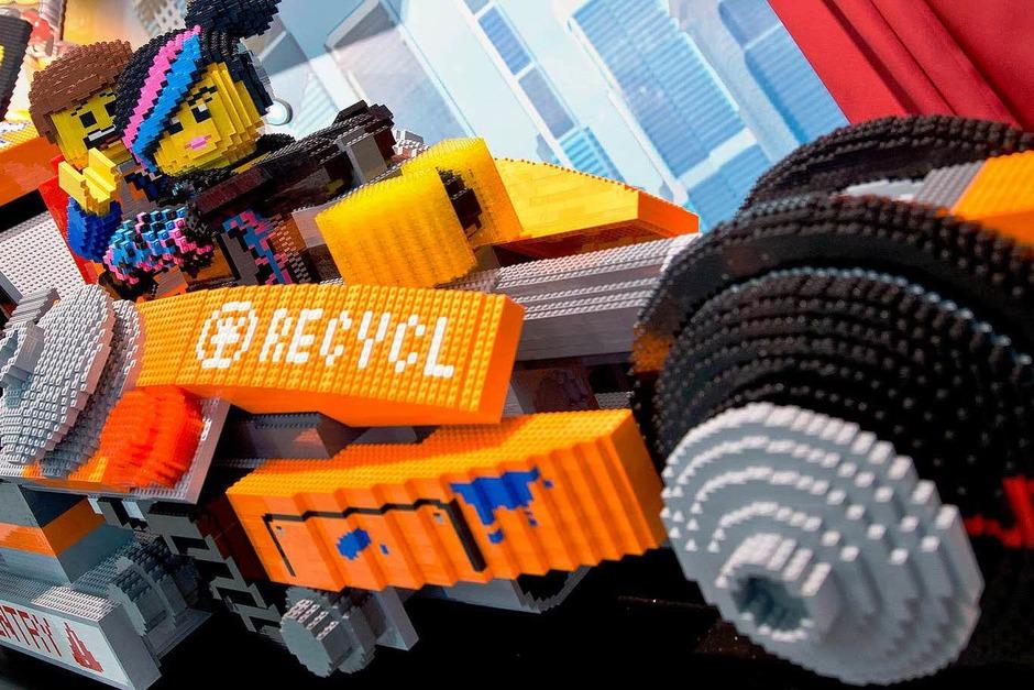 Fahrzeug von Lego (Foto: dpa)