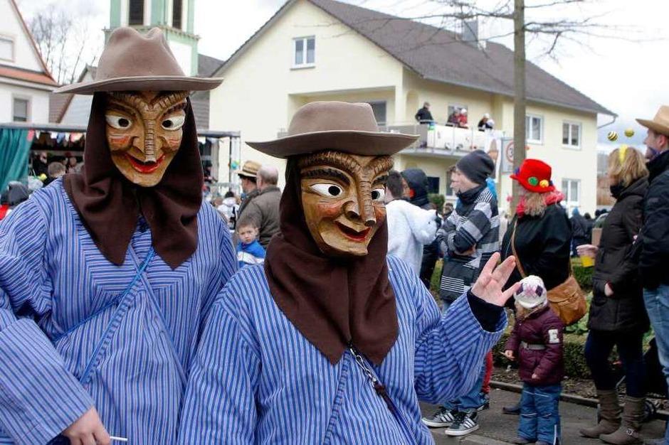 Eindrücke vom Festumzug der Riddl Schdägge aus Kürzell. (Foto: Heidi Foessel)
