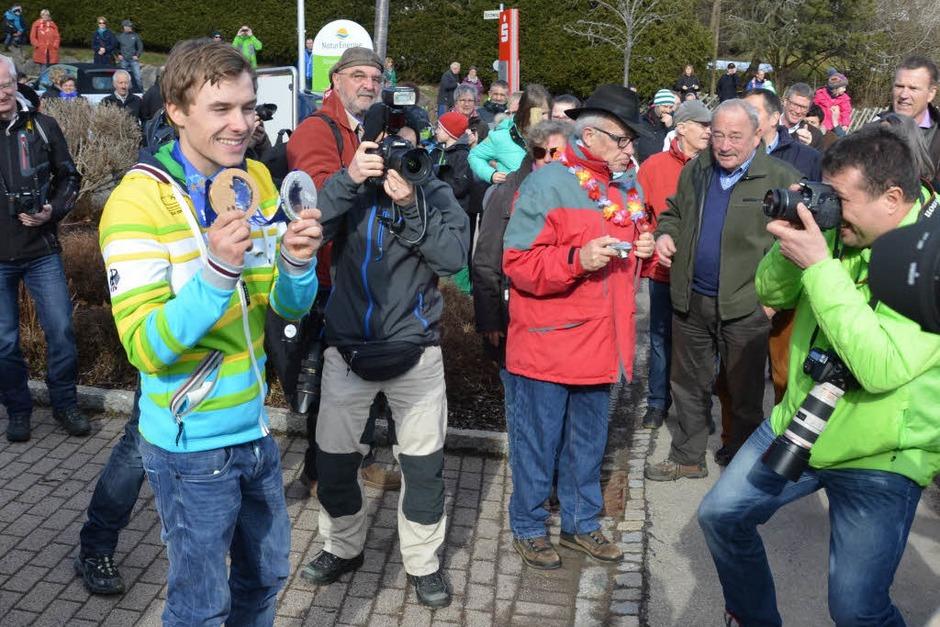 Der Hochschwarzwald begrüßt seinen Olympiahelden Fabian Rießle. In St. Märgen und Breitnau wurde der Sportler von Tausenden Menschen empfangen. (Foto: Sebastian Wolfrum)