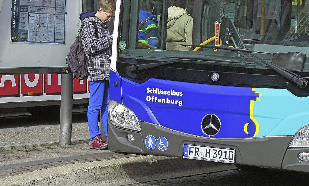 bushaltestellen werden nach und nach umgebaut offenburg badische zeitung. Black Bedroom Furniture Sets. Home Design Ideas