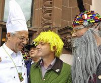 N�rrisches im Rathaus: Elfer mit Stern und Kn�llchen