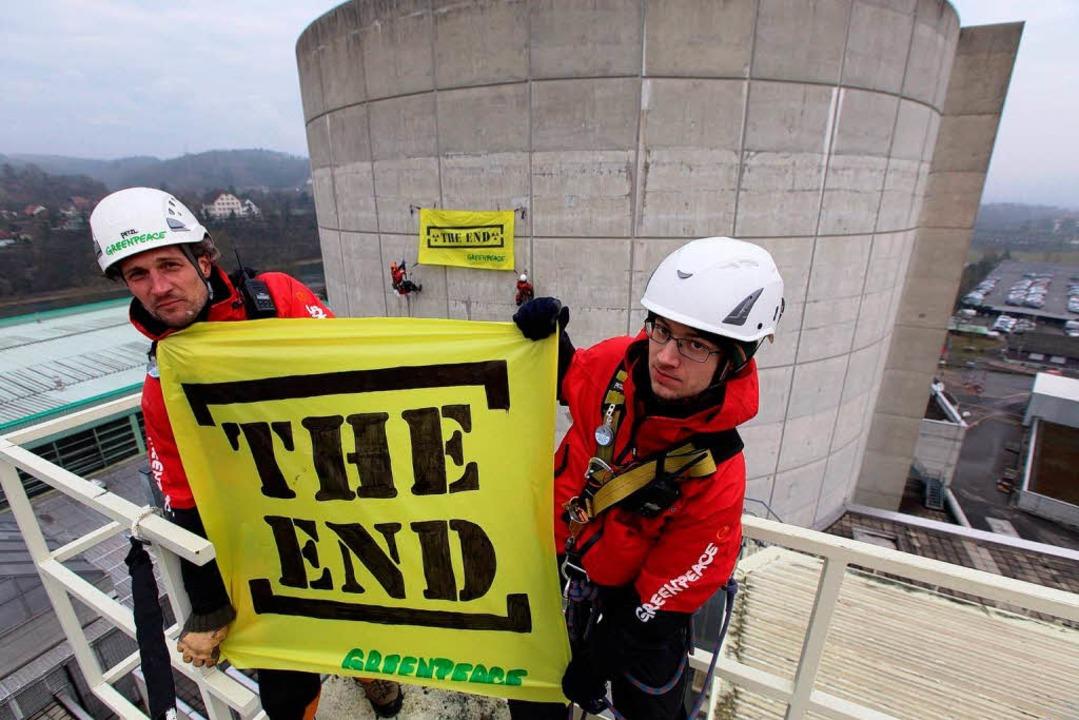 Aktivisten der Umweltorganisation Gree...s Gelände des Akw Beznau eingedrungen.  | Foto: © Greenpeace / Christian Schmutz