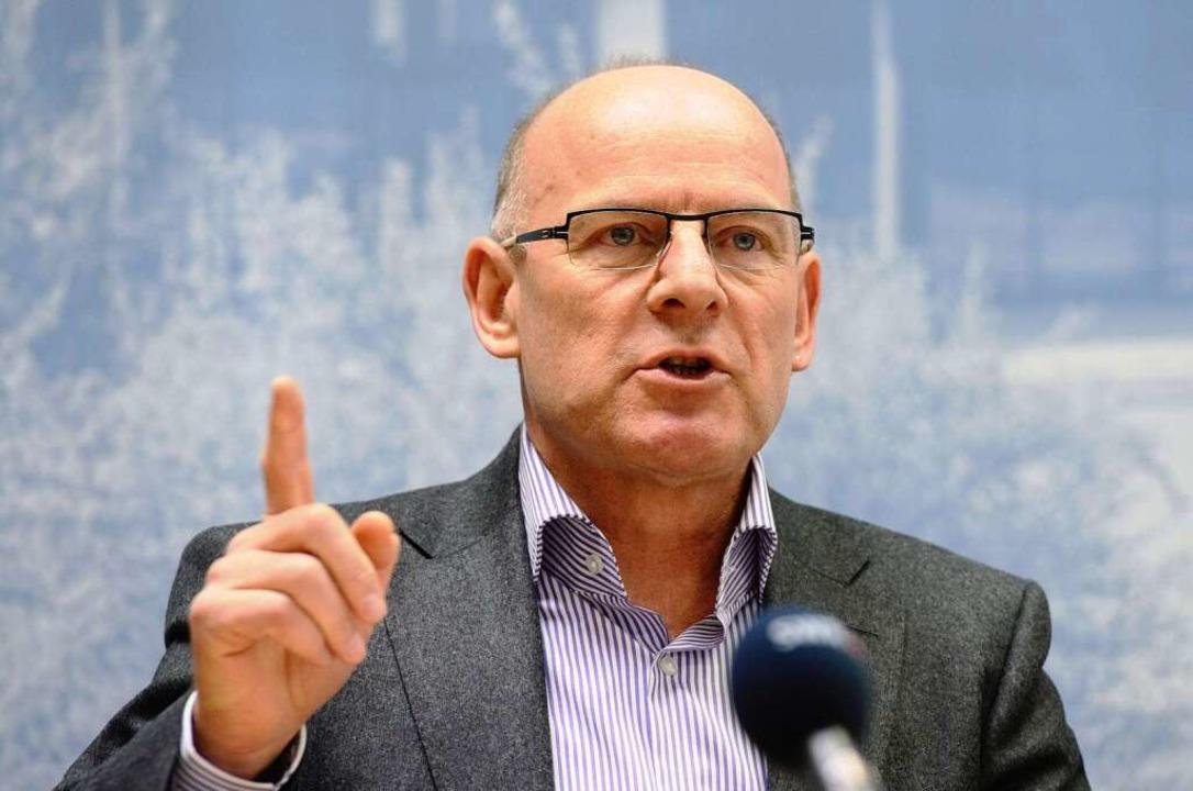 Will offenbar nicht alles wissen: Verkehrsminister Winfried Hermann (Grüne)  | Foto: dpa