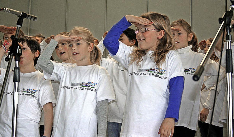 Auch der Grundschulchor der Ihringer Neunlindenschule beeindruckte die Zuhörer.  | Foto: Elisabeth Jakob-Kölblin