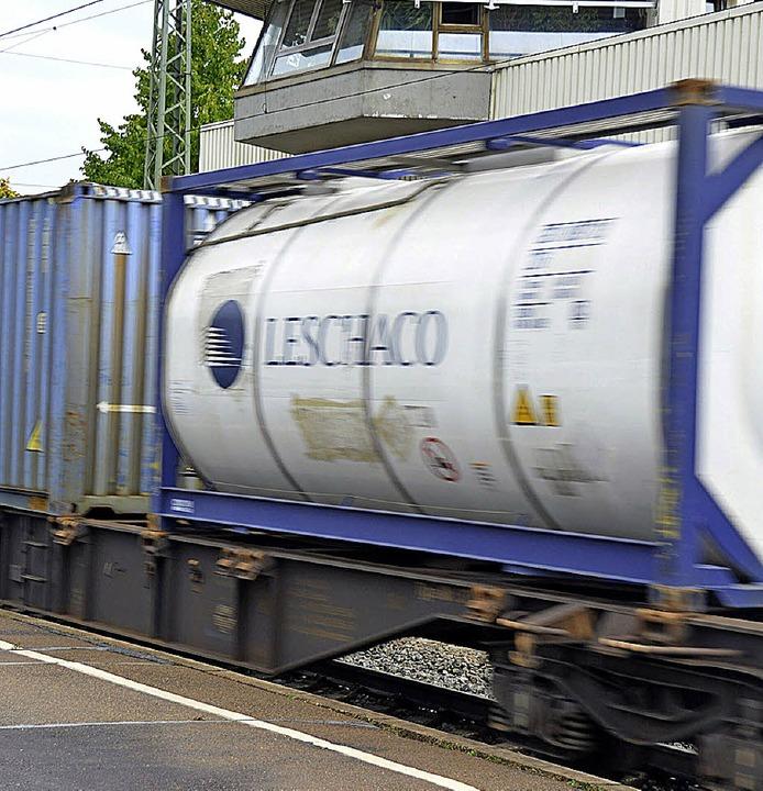 Güterzüge werden wohl auch in Zukunft ...rauschen, wenn kein Wunder geschieht.   | Foto: Babeck-Reinsch