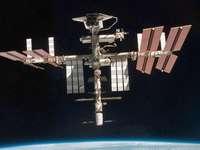 Die ISS schwebt über der Krimkrise