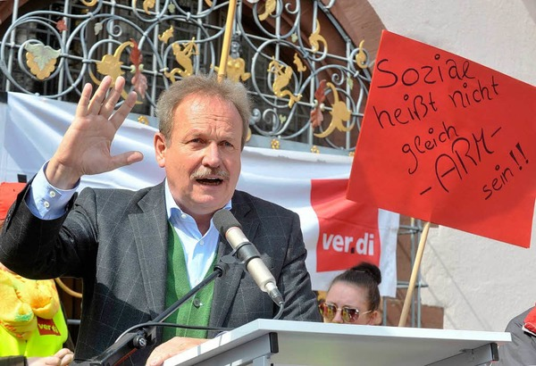 In der nächsten Gesprächsrunde müsse es ein Ergebnis geben, sagte Bsirske am Donnerstag bei einer Kundgebung vor etwa 3000 Menschen in Freiburg.