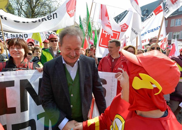 """""""Die Zeit des Taktierens ist vorbei. Jetzt braucht es Entscheidungen"""", sagte Bsirske in Freiburg. Die Arbeitgeber müssten ein konkretes Angebot vorlegen."""