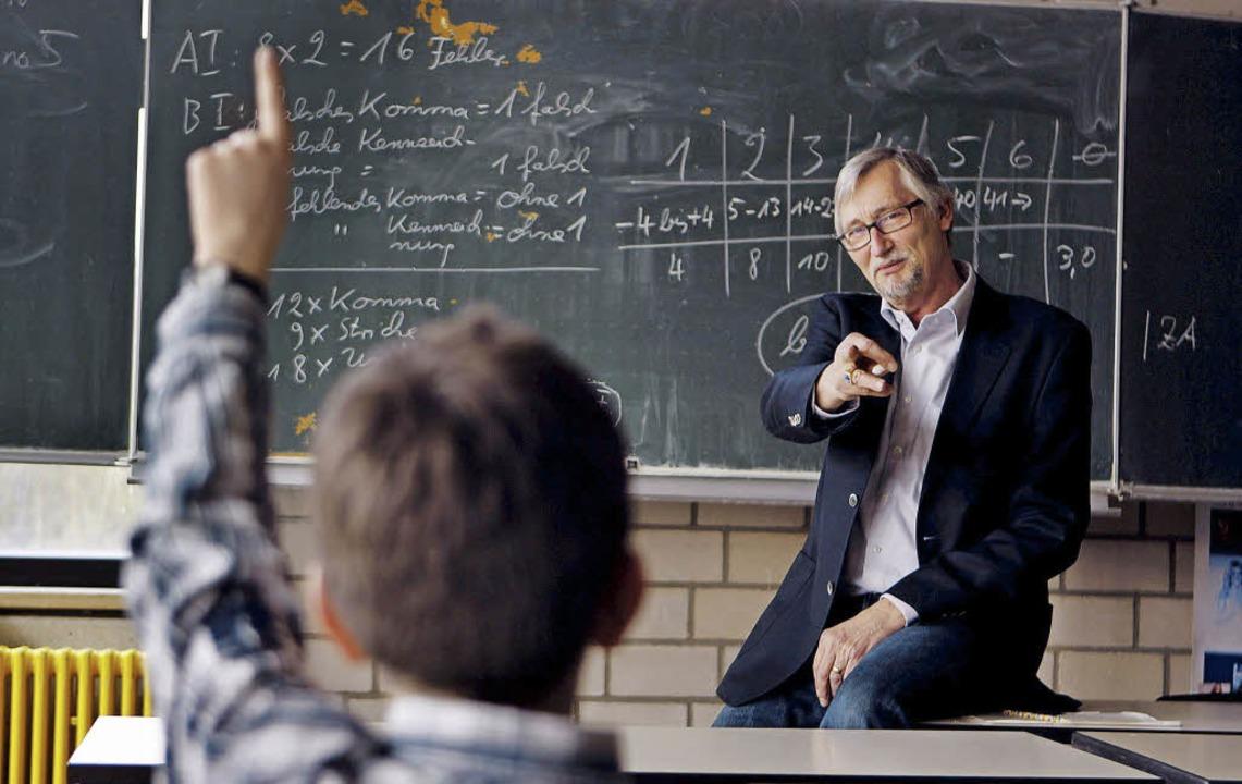 Jeden Tag im Hochleistungseinsatz: der Lehrer und seine Stimme  | Foto: dpa