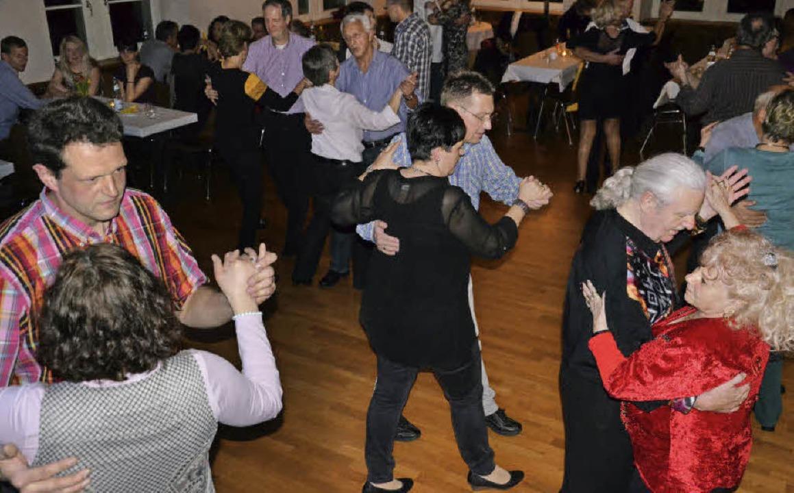 Mehr Gäste und noch bessere Stimmung a...ühling der Egringer Volkstanzgruppe.    | Foto: Schopferer