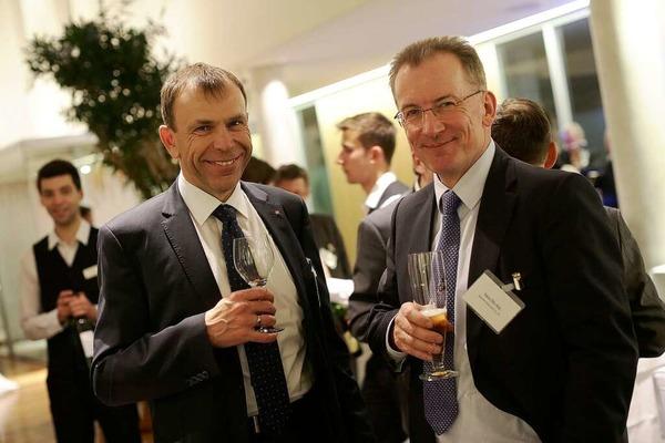 Sparkassen-Vorstandsmitglied Bernd Rigl (links) und BZ-Geschäftsführer Hans-Otto Holz
