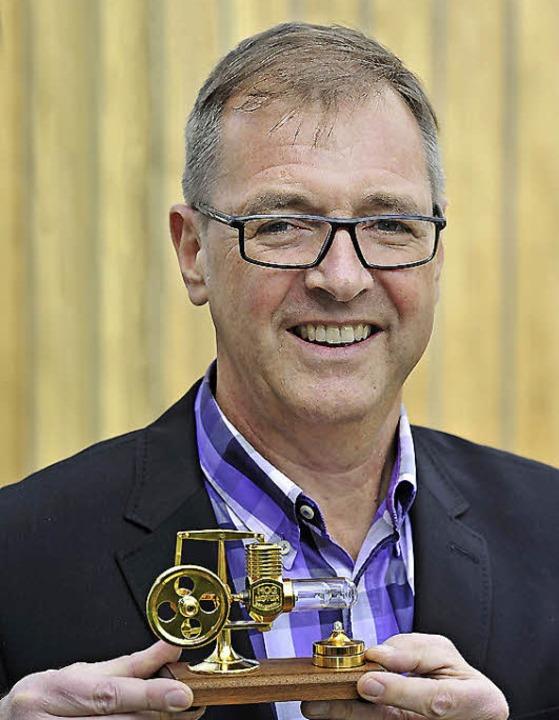 Carré-Geschäftsführer Klaus Wehrle mit dem Jobmotor  | Foto: Thomas Kunz
