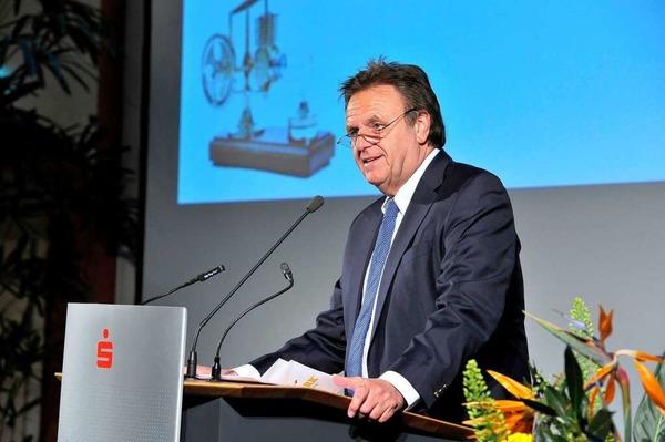 Preisverleihung des Jobmotor 2013 in der Meckelhalle der Sparkasse Freiburg-Nördlicher Breisgau. Europapark-Chef Roland Mack spricht als Schirmherr des Jobmotor