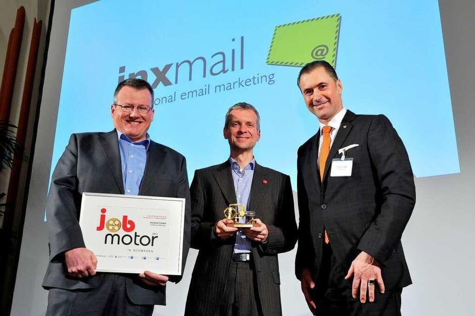 Preisverleihung des Jobmotor 2013 in der Meckelhalle der Sparkasse Freiburg-Nördlicher Breisgau. Peter Ziras (li.) und Martin Bucher (beide Inxmail) und Laudator Steffen P. Würth (Straub-Verpackungen GmbH Bräunlingen) (Foto: Thomas Kunz)
