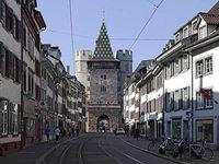 Die historische Fassade strahlt in neuem Glanz