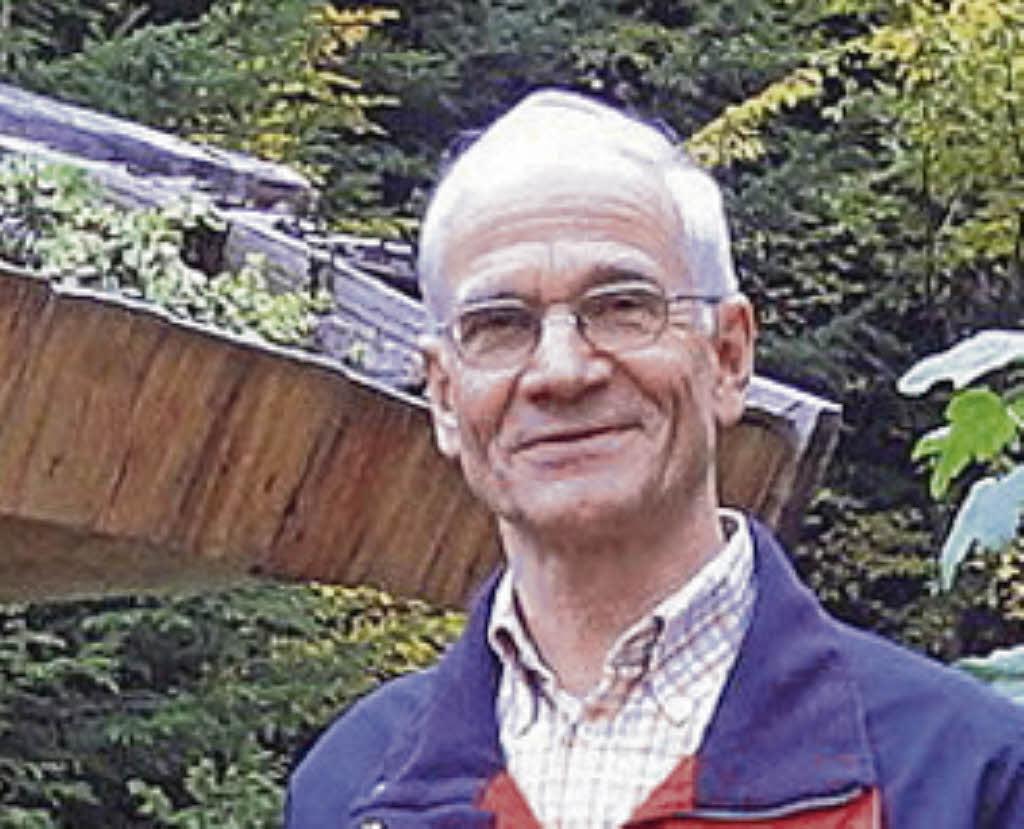 <b>Walter Krüger</b> kennt sich mit Bienen aus. Foto: Hartenstein - 83042636