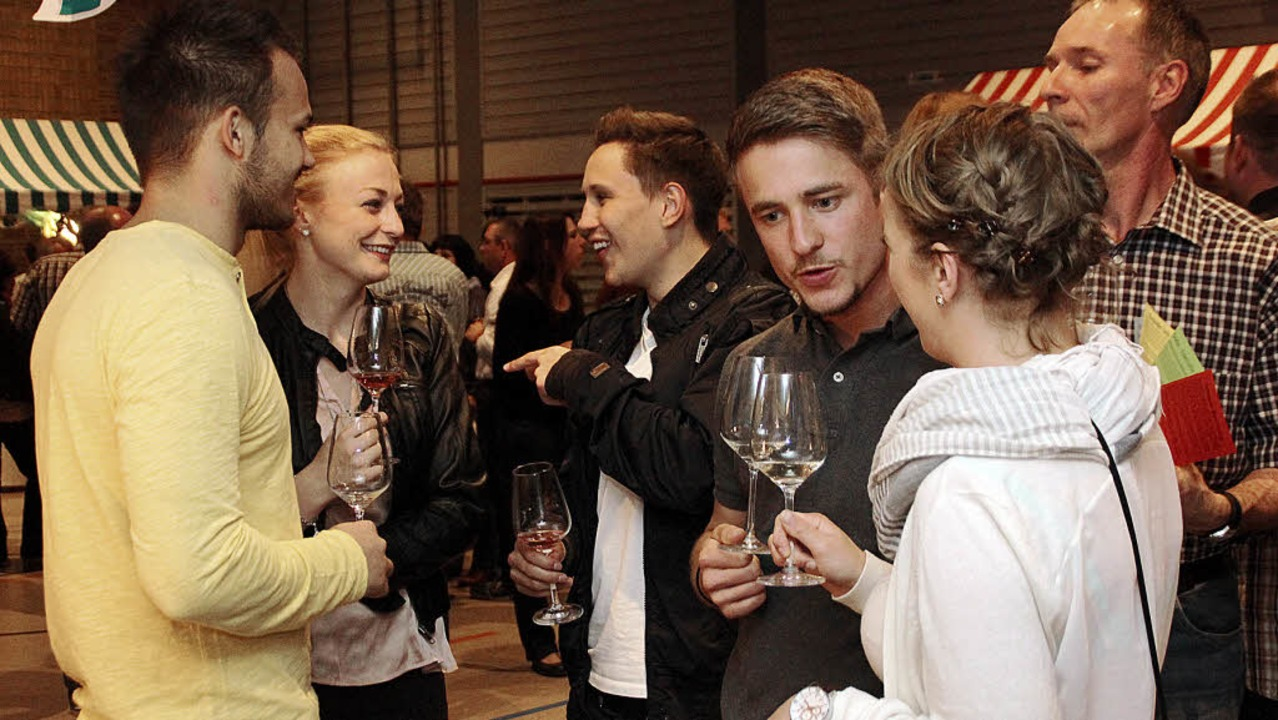 Fachsimpeleien beim Wein – die E...r Weinmesse am vergangenen Wochenende     Foto: Erika Sieberts
