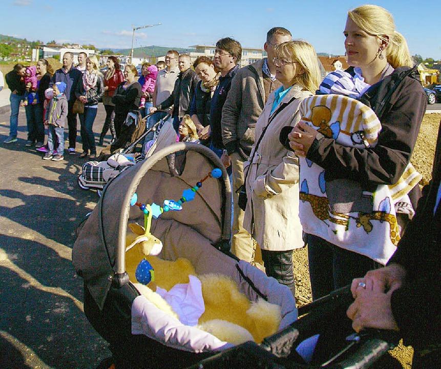 Bei der Freigabefeier wurde deutlich: Fürstenfeld lockt junge Familien an.  | Foto: Sandra Decoux-Kone