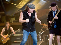 AC/DC machen weiter – Fans bangen um Malcolm Young